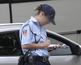 Police, gratuit, horodateur, stationnement, gratuit, août