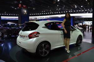plus belle voiture de l'année, paris 2012, mondial, stand, peugeot, nouveauté, sport, 208 GTI