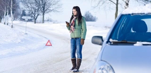 neige, verglas, conduite sur neige, danger, accident, conduite sur glace, campagne, voiture
