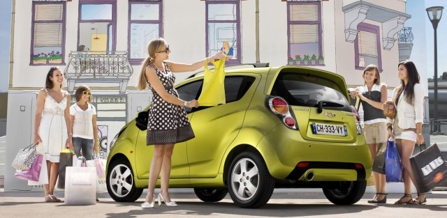 Chevrolet, spark, chevrolet spark, essai, pub, video, TV, voiture de femme, glamour, sexy, féminin, citadine
