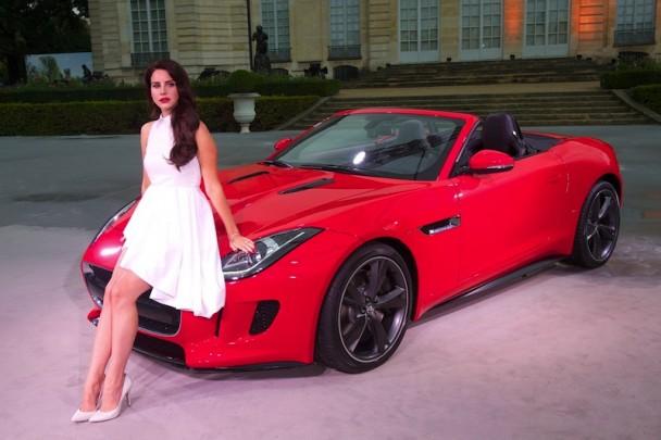 jaguar f-type, jaguar, F-Type, luxe, alister Whelan, Lana del rey, chanteuse, star, people, voiture de luxe, voiture de femme