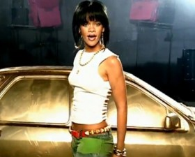playlist, playlist musicale, voiture, voiture de femme, musique, chanson, musique voiture, playlist voiture