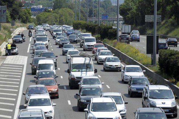 voiture, voiture moyenne des Français, prix, tarif, mensuration, gabarit, étude, l'argus