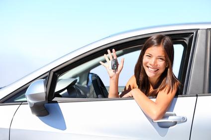 assurance auto, femme, choisir, astuce, bon plan, guide pratique, que choisir, garantie, vol, bris de glace