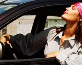Accessoire auto, voiture, mobivia, norauto, vacances, pratique, café, voiture fille