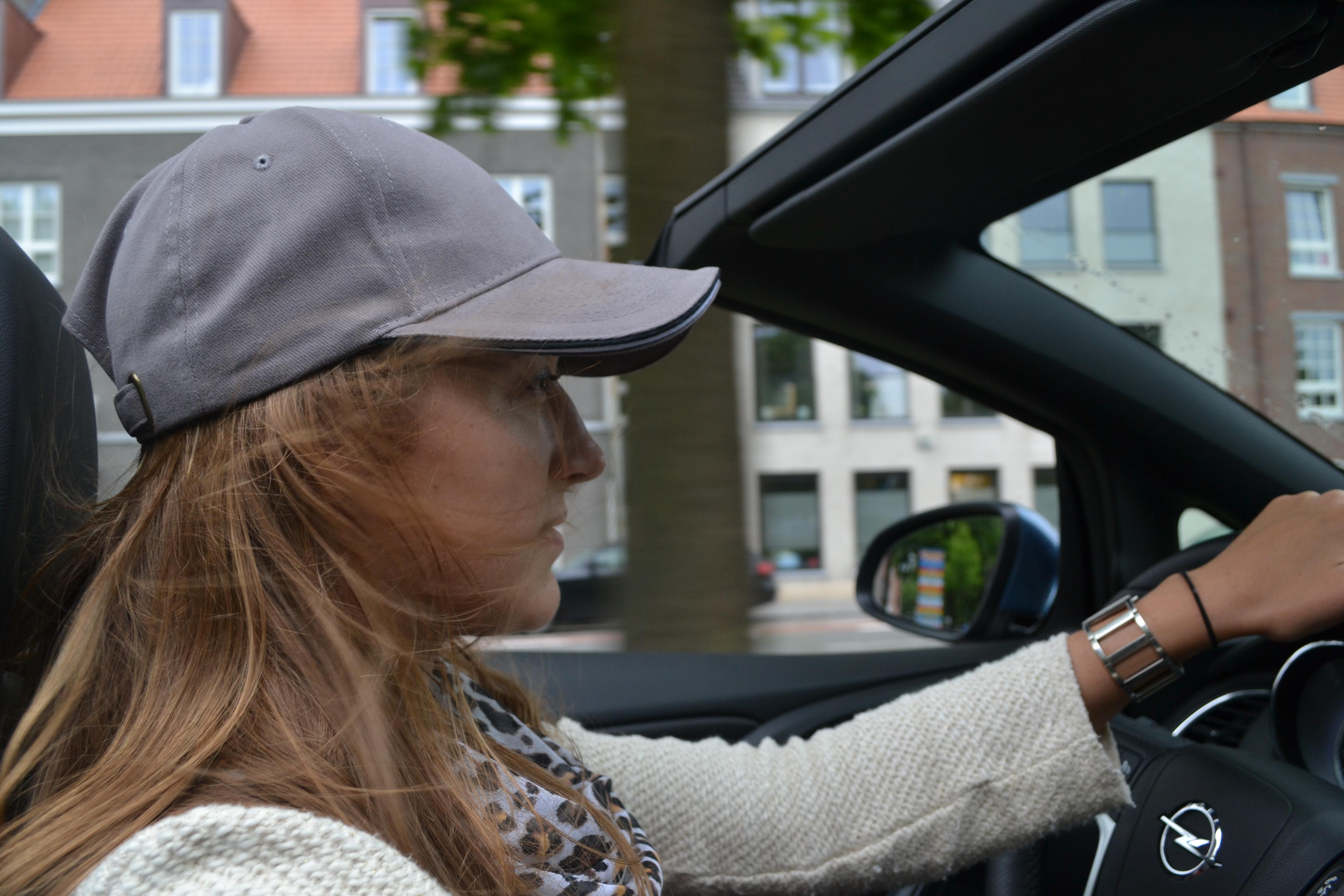 clémcence de bernis, Opel, cascada, opel cascada, essai, cabriolet, décapotable, bruges, voiture femme