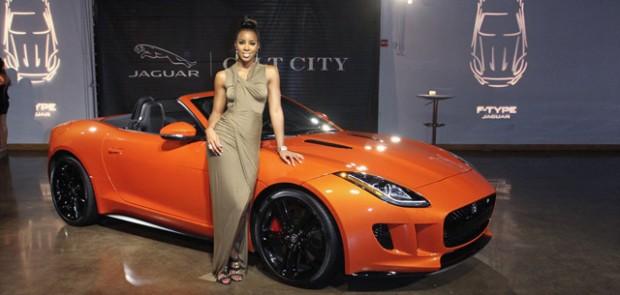 kelly rowland chanteuse des destiny 39 s child nouveau visage de jaguar. Black Bedroom Furniture Sets. Home Design Ideas