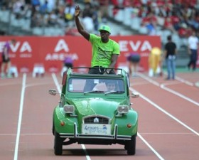 Usain Bolt, citroën, 2CV, stade de France, athlétisme