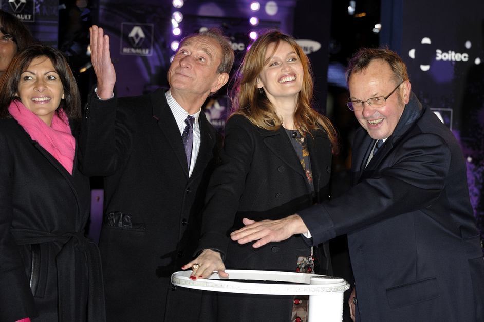 Champs-Elysées, Noël, Illumination, Laetitia Casta, Renault, Zoe, star