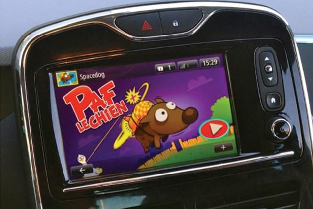 Paf le chien, jeu, multimedia, renault, r-link, voyage, enfant