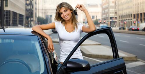 femmes, voiture femme, voiture fille, auto fille, auto femme, achat voiture, achat voiture femme