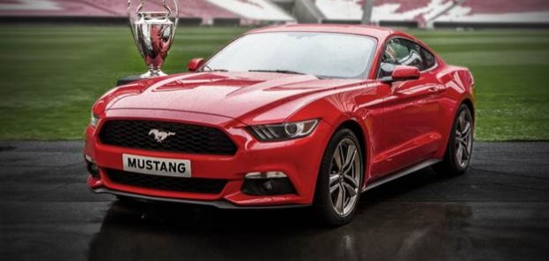 nouvelle ford mustang en pr commande finale de la champions league. Black Bedroom Furniture Sets. Home Design Ideas