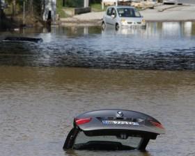 voiture inondee, assurance auto, indemnisation, intemperie, inondation, pluie, catastrophe naturelle,
