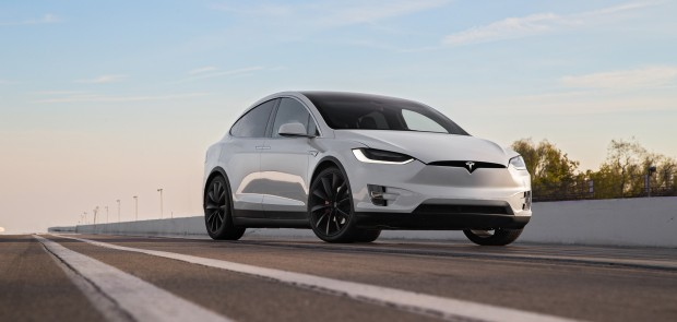 tesla, model X, accident, voiture autonome, securite routiere, NHTSA