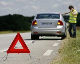 vacances, depart en vacances, changer pneu, pieces detachees, securite routiere