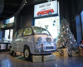 motorvillage, pere noel, garage du pere noel, exposition paris, exposition auto,