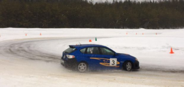 Continental, pneus, pneumatiques, ice driving experience, circuit, circuit sur glace, canada, circuit esterel