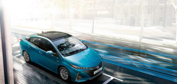 toyota, prius, hybride, photovoltaique, panasonic, mobilite durable, ecologie