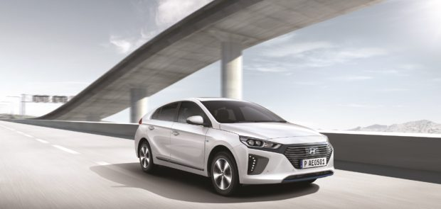 women's world car of the year, voiture femme, voiture féminine, voiture de l annee, hyundai ioniq