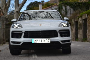 porsche cayenne essai de la troisi me g n ration d 39 un des plus beaux suv du march. Black Bedroom Furniture Sets. Home Design Ideas