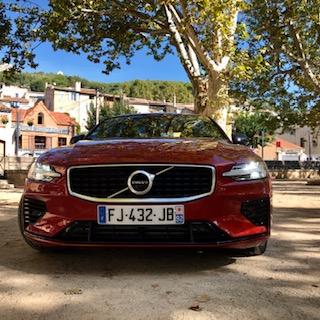 Volvo, S60, berline, vehicule hybride, essai, capot