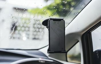 support telephone, pratique, accessoire auto, application auto, smartphone, les enjoliveuses
